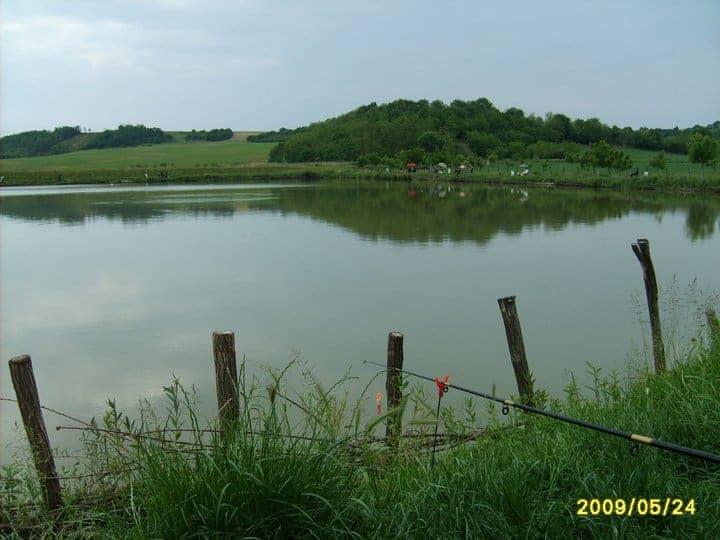 mágocsi horgásztó látkép